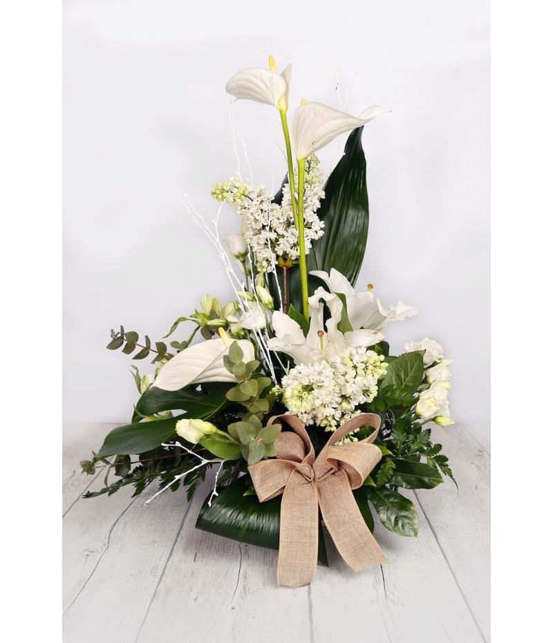 (C101) Centro una cara con floras blancas