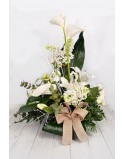 Arrangement one tone face with white flowers