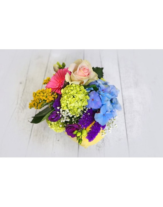 Arrangement Round multicolour crystal vase