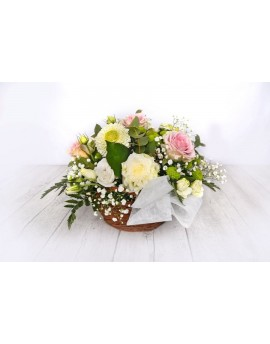 (C105) Basket white flowers and pink roses