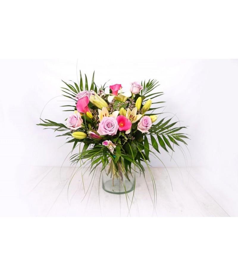 (R107) Ramo variado rosas y blancas con rosas