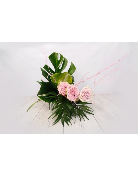 (R109) Modern bouquet with pink roses and arthurium
