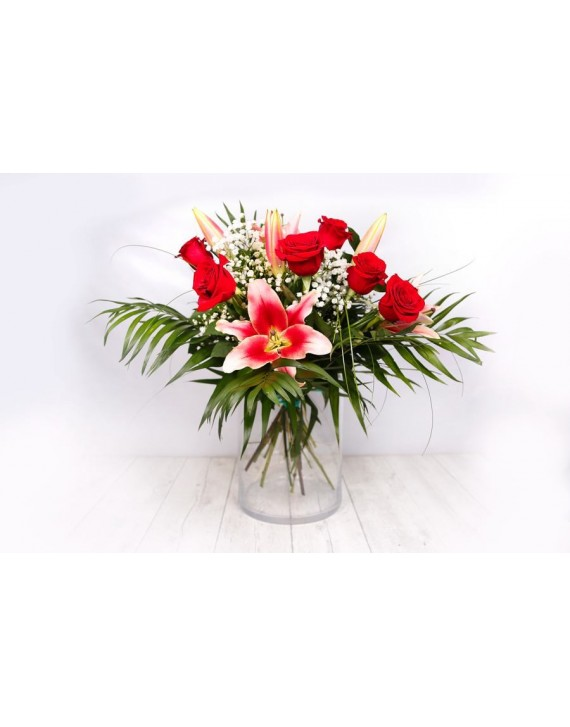 (R112) Bouquet of lilies and roses