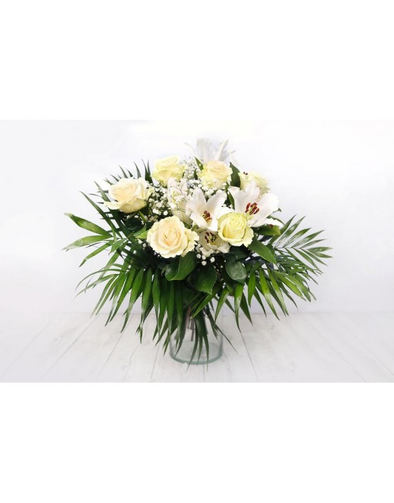 (R114) Bouquet of white roses and lilies