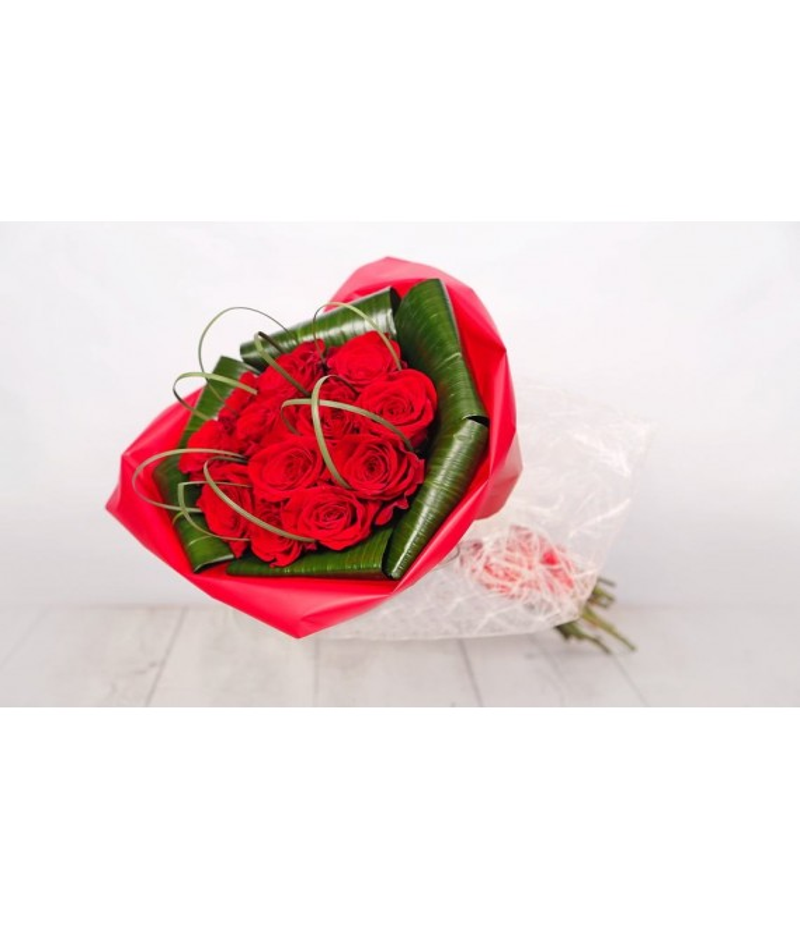 (RO101) Ramo compacto de rosas rojas