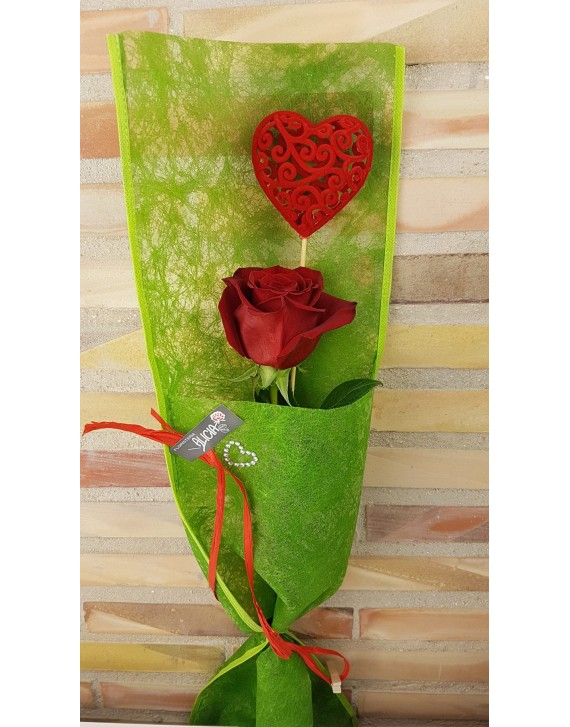 (VAL 003) 1 Red rose with heart