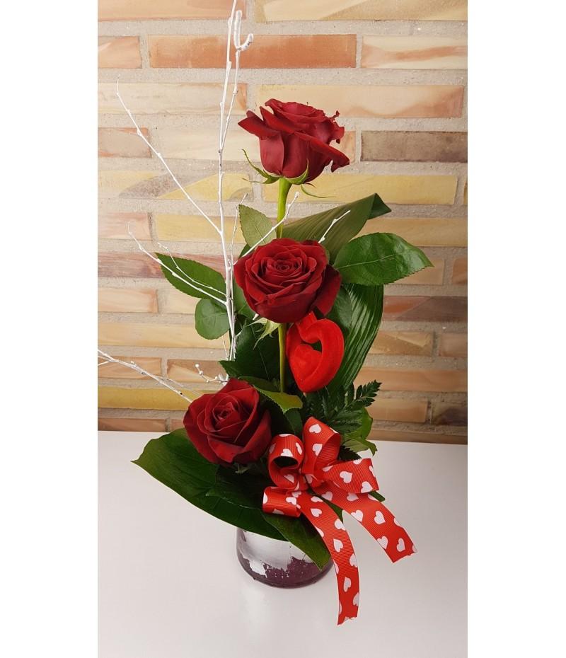 (C119) Centro detalle tres rosas