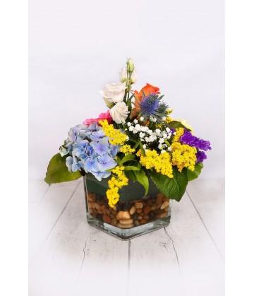 Arrangement big round multicolour crystal vase