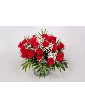 Bouquet of short red roses